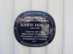 Plakett, Marie Høegh