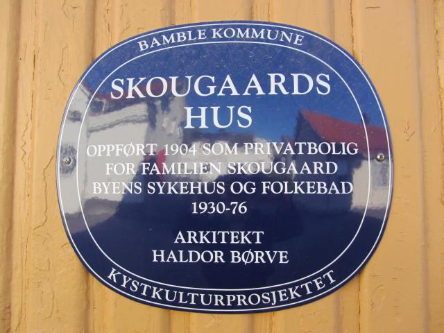 IMG_0698 Skougaards hus plakett