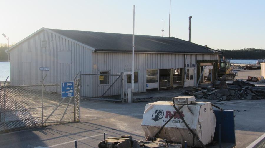 Gamle terminalbygget rives, 6.1.2012