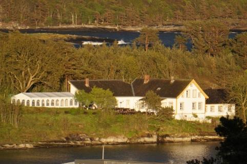 Langøya hovedgård