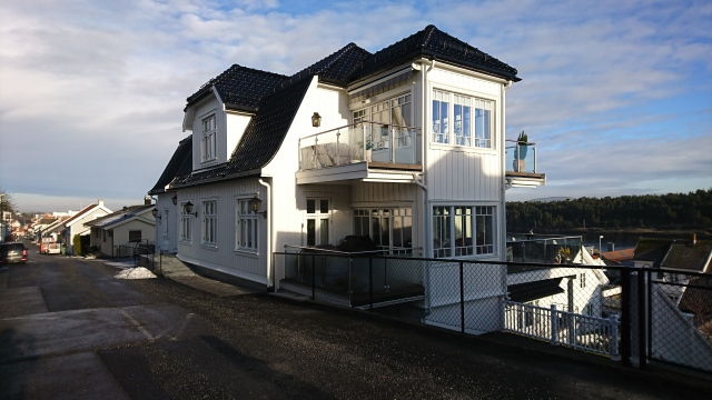 Storgata 28, Langesund. Sett fra sydvest.
