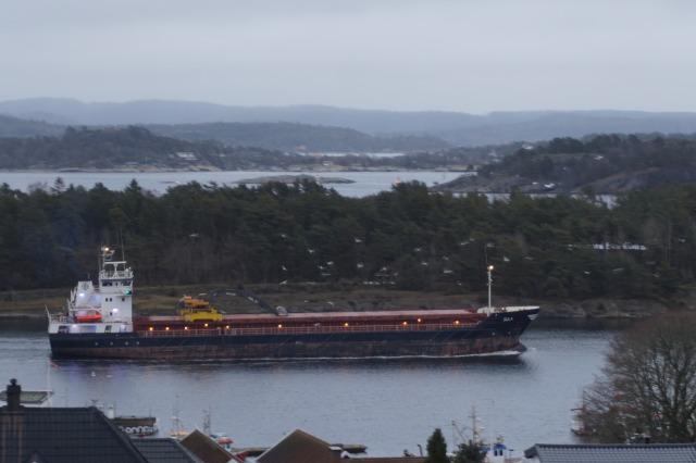 Skip passerer gjennom Langesundet